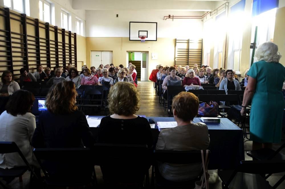 Stowarzyszenia i organizacje pozarządowe, zmianach ustawie emerytalnej - zdjęcie, fotografia