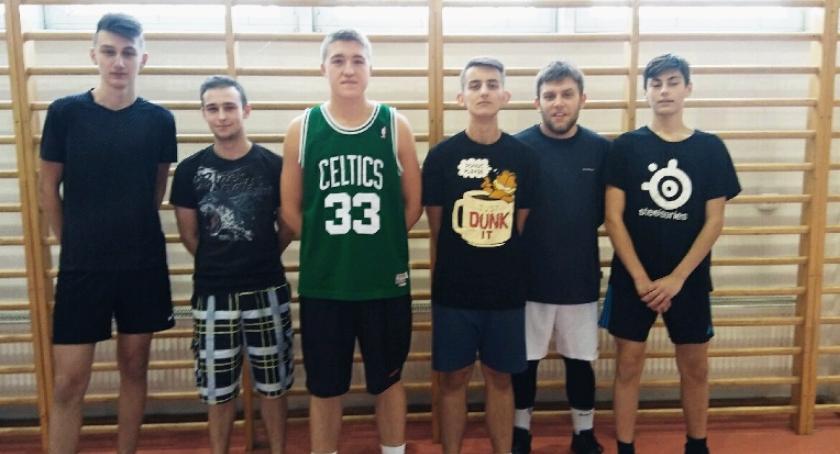 Koszykówka, Pułtuska Amatorska Koszykówki wystartowała - zdjęcie, fotografia
