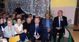 Burmistrz i minister o ptasiej fermie w Bobach - migawki filmowe